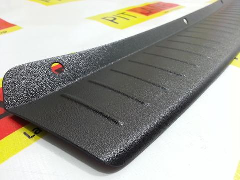 Накладка на задний бампер пластиковая Лада Гранта (седан 2012-2018)