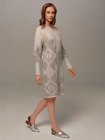Женское платье светло-серого цвета с узором - фото 2