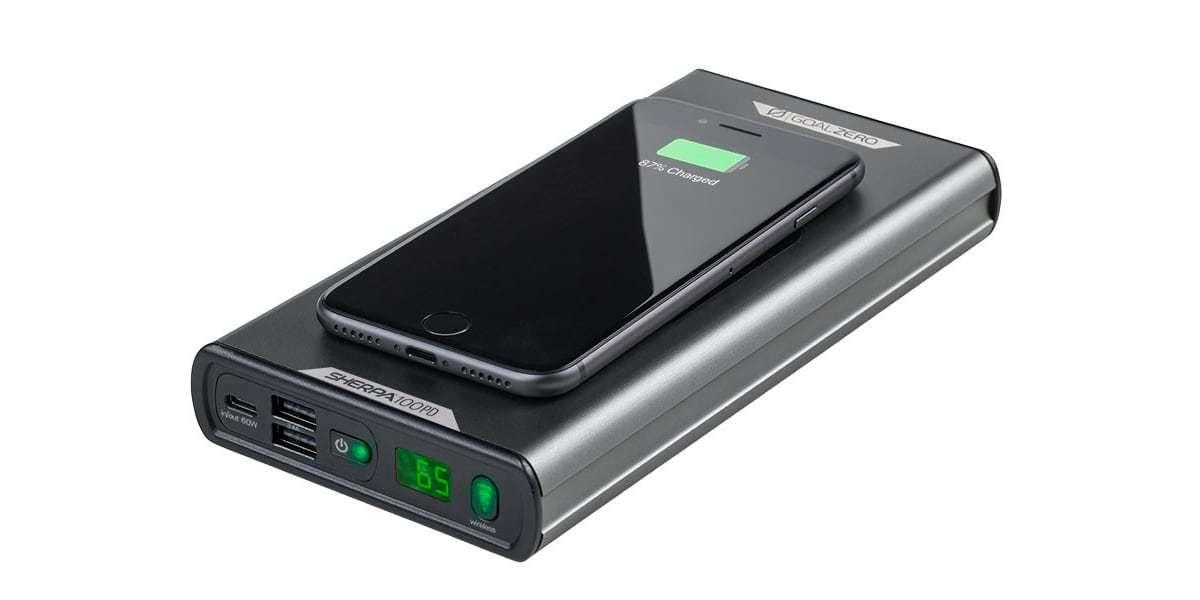 Портативный источник питания Goal Zero Sherpa 100 PD с телефоном