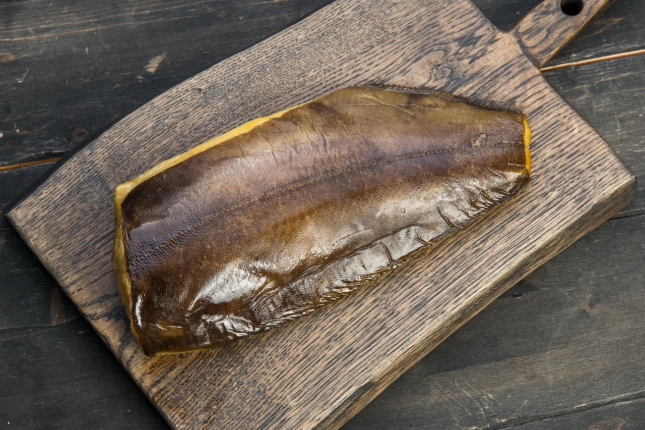 Подкопченая спинка палтуса (малосоленая)