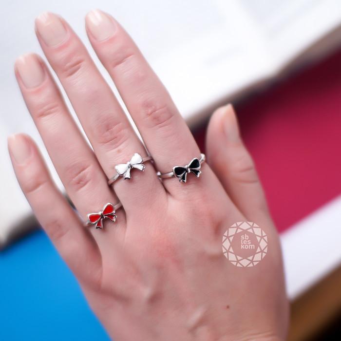 Серебряное кольцо бантик с черной эмалью