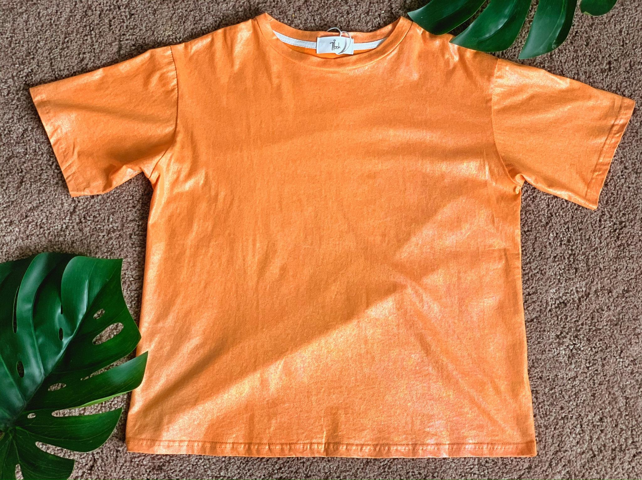 Свободная футболка с блестящим нанесением