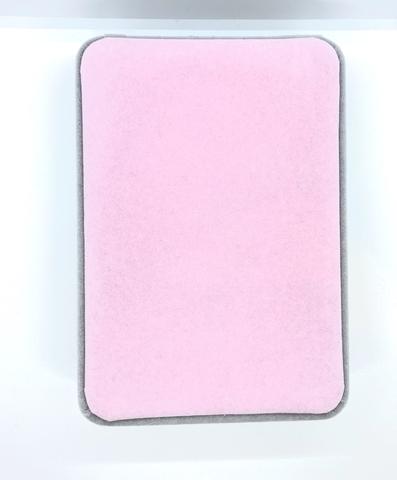 Большая, подарочная коробка из бархата для упаковки комплекта украшений, серо-розовая.