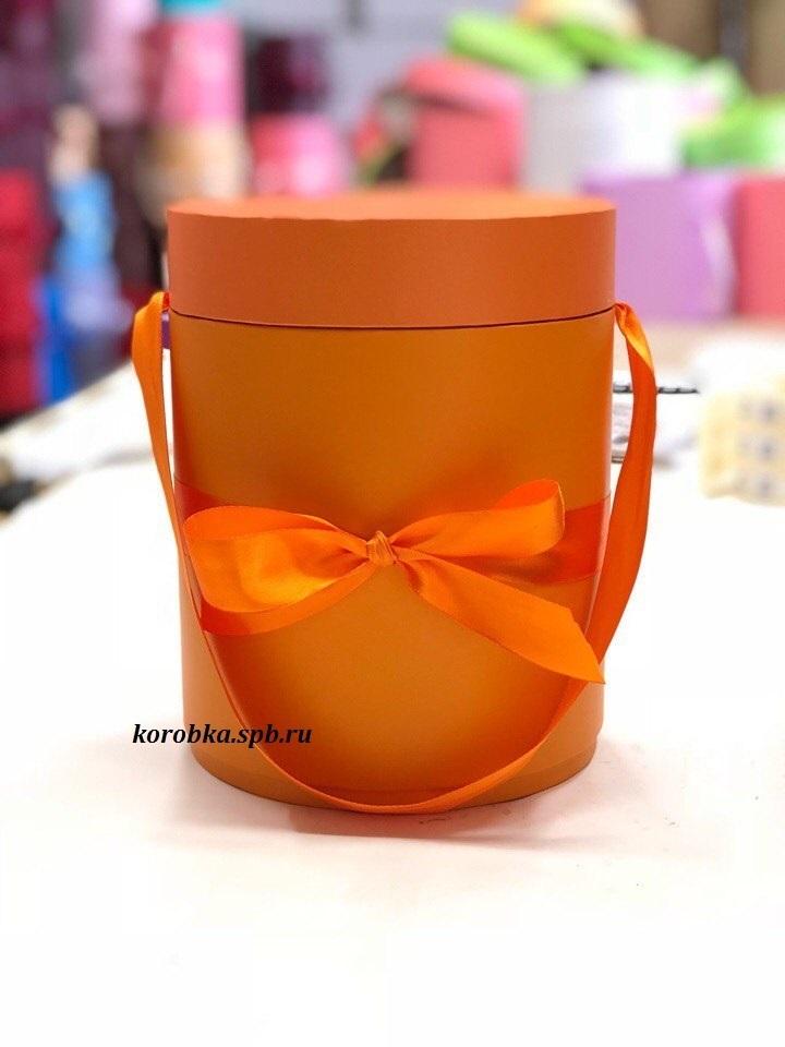 Шляпная коробка D 16 см .Цвет: оранжевый . Розница 350 рублей.