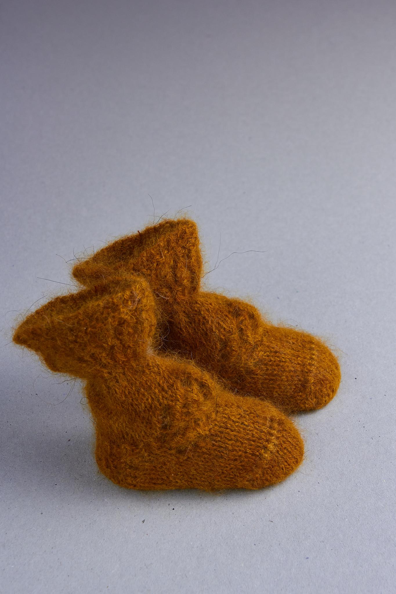 Носки для недоношенных детей из шерсти