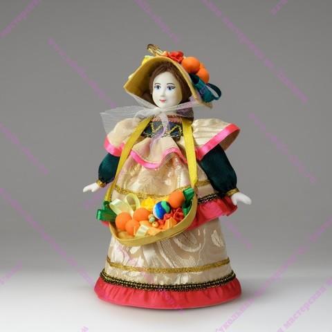 Сувенирная кукла - Ягодница