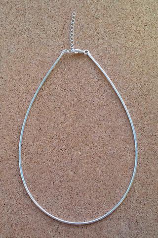 Нить Омега 21 мм. серебряного цвета
