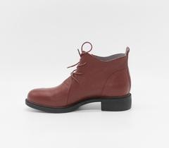Бордовые  кожаные ботинки на шнуровке