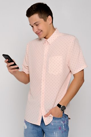 Рубашка(deni).. Классическая рубашка прямого силуэта. Рукав короткий с манжетом. Ворот на стойке. По переду планка с пуговицами. (Длина: 48-74 см; 50-76см; 52-77см; 54-78см)