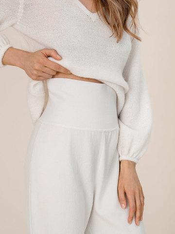 Женские брюки молочного цвета из шерсти - фото 5
