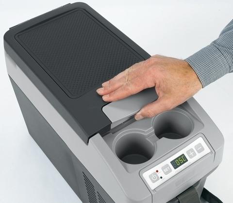 Автохолодильник Dometic CoolFreeze CDF-11, 10.5л, охл./мороз., форма подлок., диспл., пит. (12/24V)