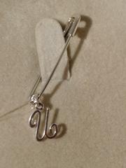 Брошь- булавка из серебра с буквой И