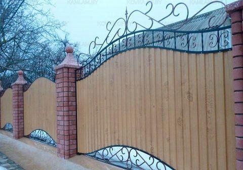Кованый забор с профнастилом N-11