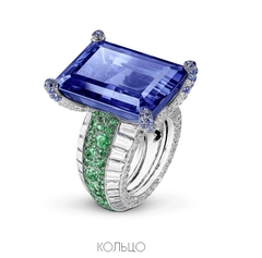 20327 -Кольцо из серебра с крупным сапфировым камнем