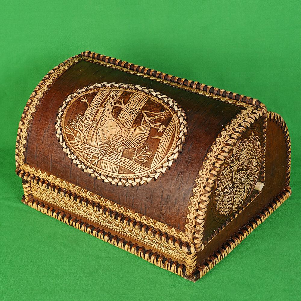 Хлебница из бересты с изображением Глухаря