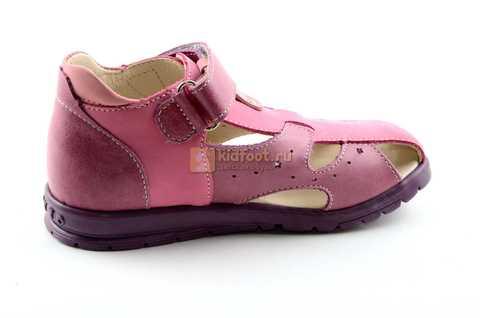 Босоножки Тотто из натуральной кожи с закрытым носом для девочек, цвет сиреневый розовый. Изображение 4 из 12.