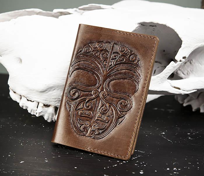 BC207 Обложка на паспорт ручной работы в этническом стиле Маори
