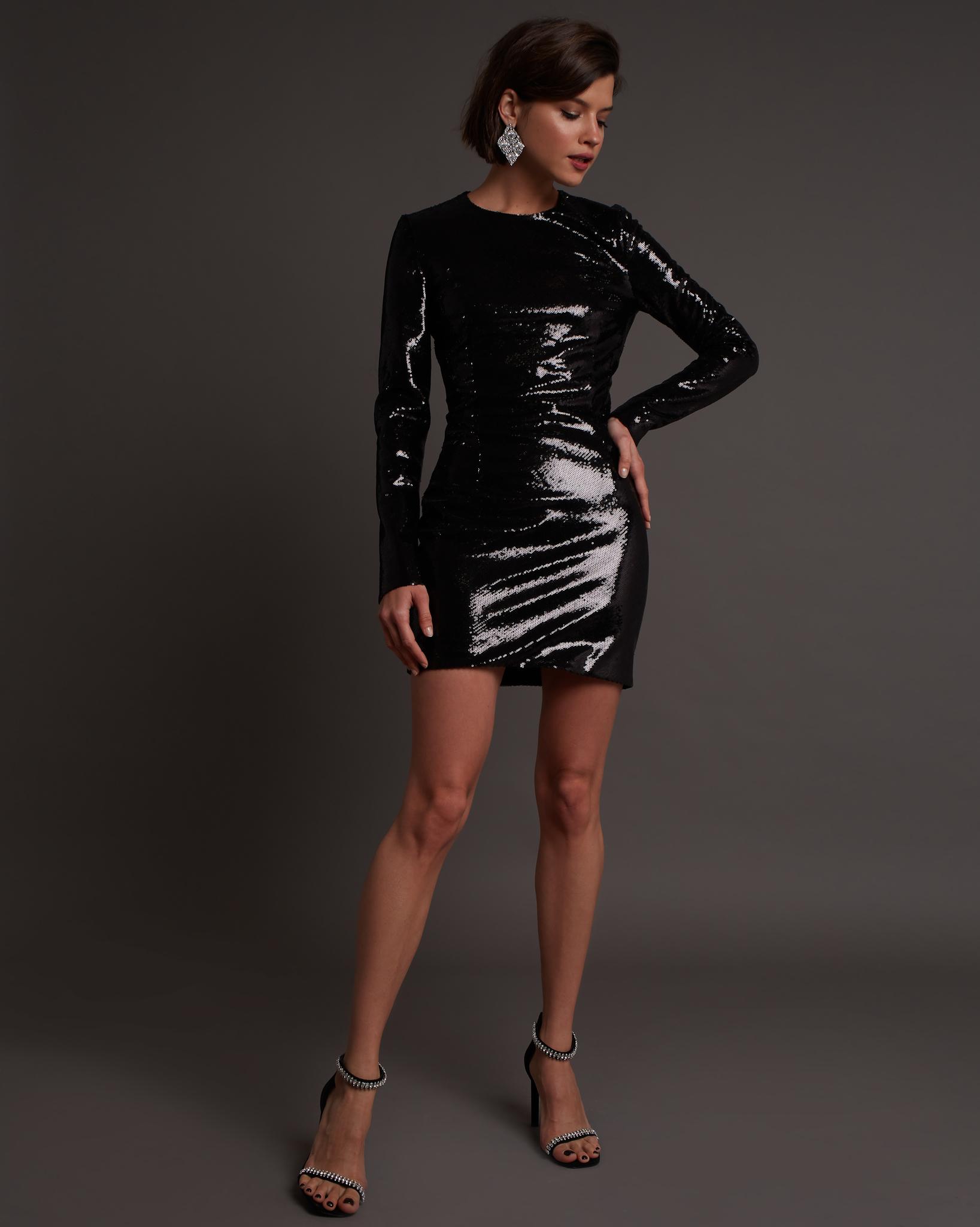 Платье мини из пайеток черного цвета