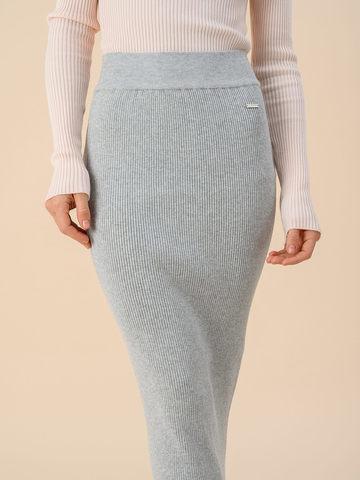 Женская юбка цвета серый меланж из вискозы - фото 3