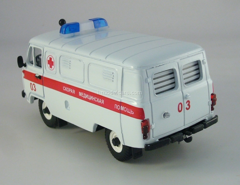 UAZ-3741 Ambulance 1:43 Agat Mossar Tantal