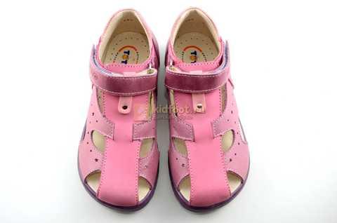 Босоножки Тотто из натуральной кожи с закрытым носом для девочек, цвет сиреневый розовый. Изображение 9 из 12.