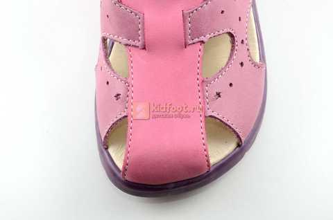 Босоножки Тотто из натуральной кожи с закрытым носом для девочек, цвет сиреневый розовый. Изображение 10 из 12.