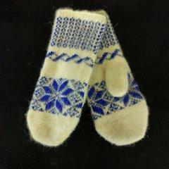Вязанные варежки из шерсти романовских овец 86