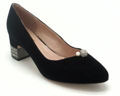 Туфли из натурального велюра с декором