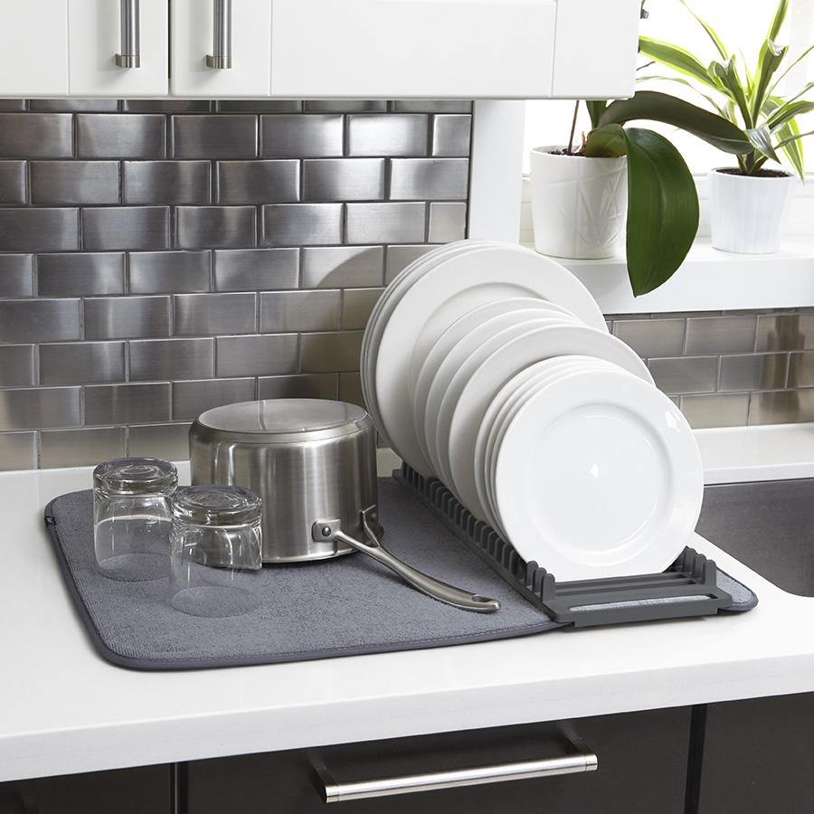 Коврик-сушилка для сушки посуды из микрофибры UDRY тёмно-серый Umbra 330720-149 | Купить в Москве, СПб и с доставкой по всей России | Интернет магазин www.Kitchen-Devices.ru