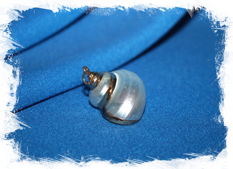 Кулон из ракушки Турбо перламутровый