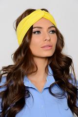 <p>Чалма на голове создает оригинальный образ. Сегодня все модницы стали повязывать себе голову. Чалма превратилась в актуальный аксессуар</p>