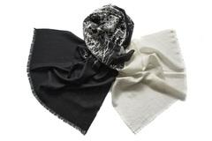 Шерстяной чёрно-белый палантин (0376 PAL 8)