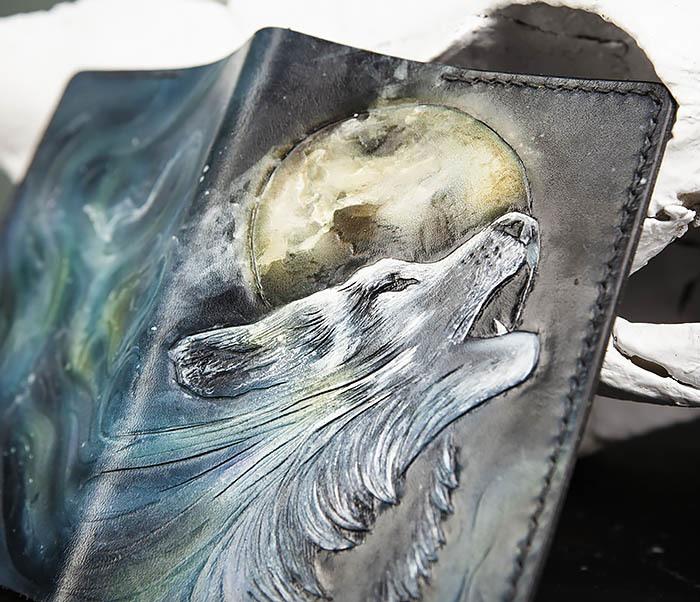 BC208 Обложка на паспорт с волком, ручная роспись фото 07