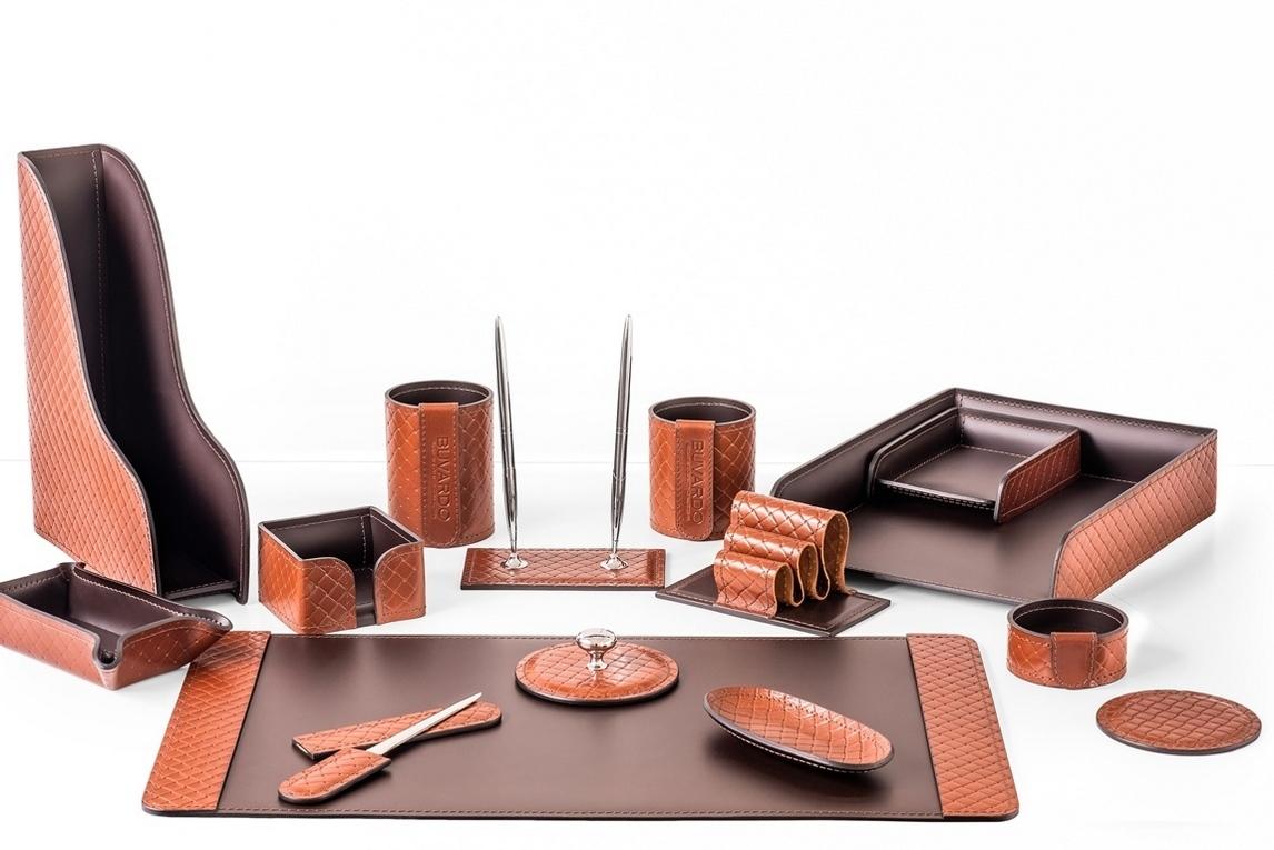 Фотография набора руководителя на стол арт.2166-AK TAN/шоколад из 15 предметов.