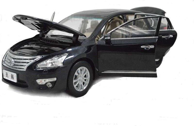 Коллекционная модель Nissan Teana 2012