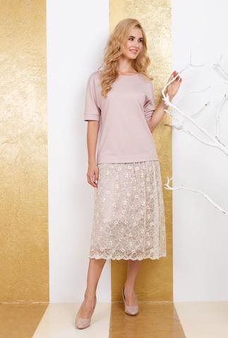 Фото бежевое платье ниже колен, состоящее из свободной однотонной блузы с короткими рукавами и кружевной юбки до середины икры - Платье З271а-464 (1)