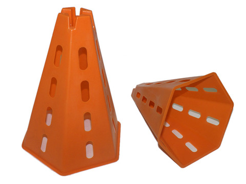 Пирамида для разметки поля с боковыми отверстиями: О-992-6