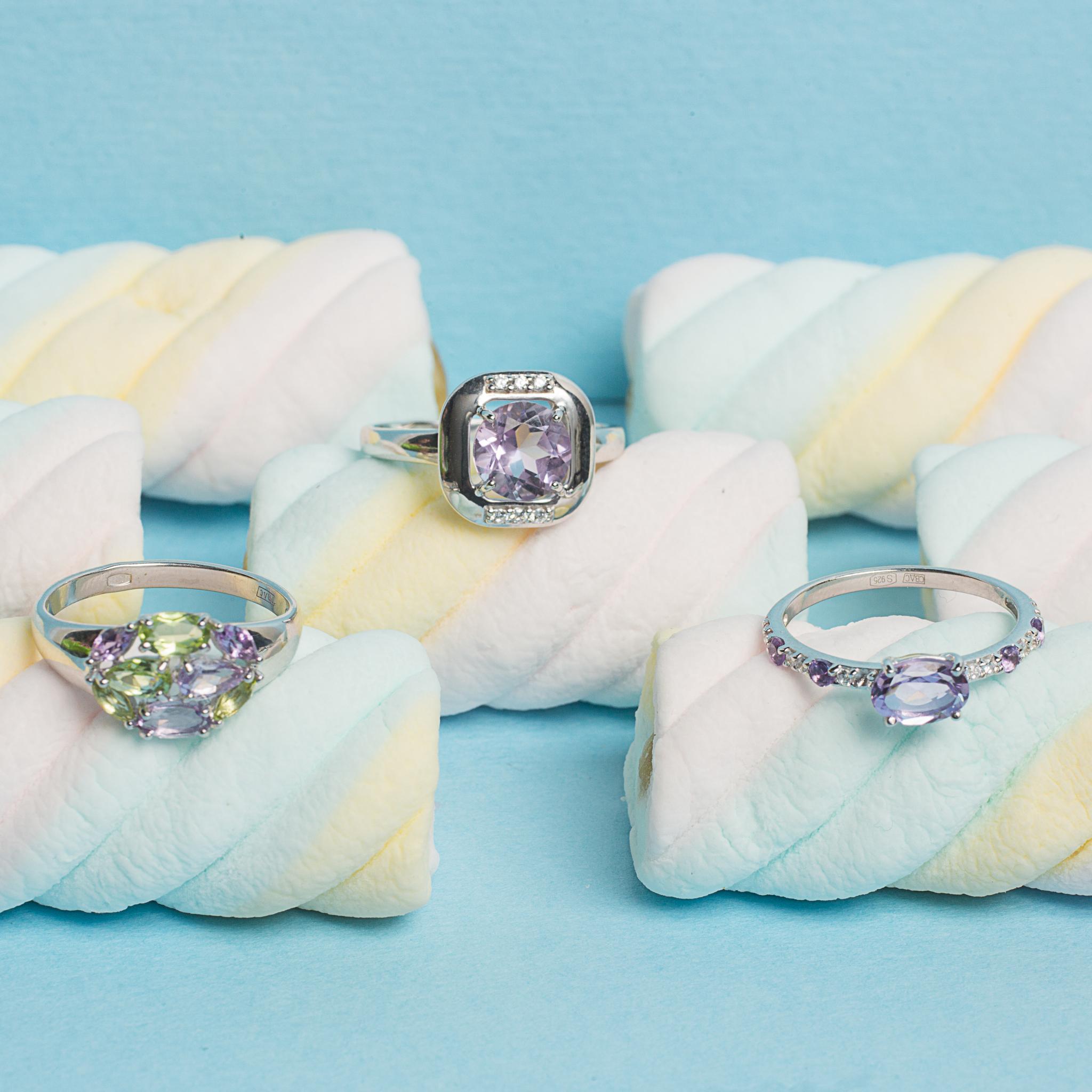 Кольцо из серебра с полудрагоценными вставками