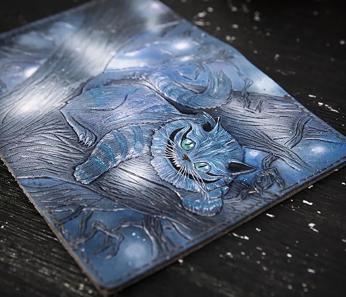 BC209 Кожаная обложка «Чеширский Кот» ручной работы фото 06