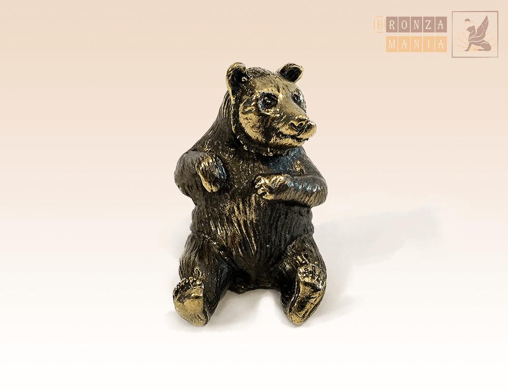 фигурка Медвежонок облизывающийся