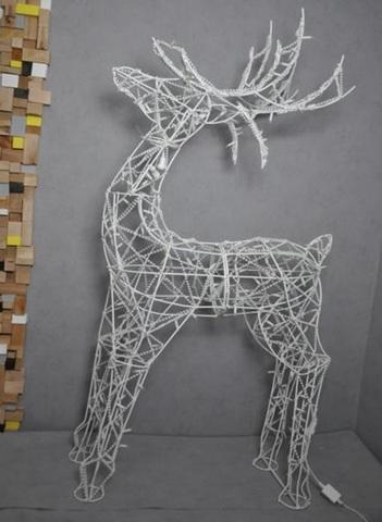 Фигура оленя из гирлянд декоративная
