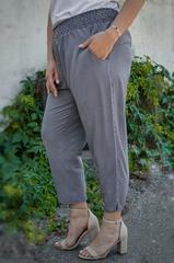 Миранда. Укороченные летние брюки больших размеров. Черный лапка.
