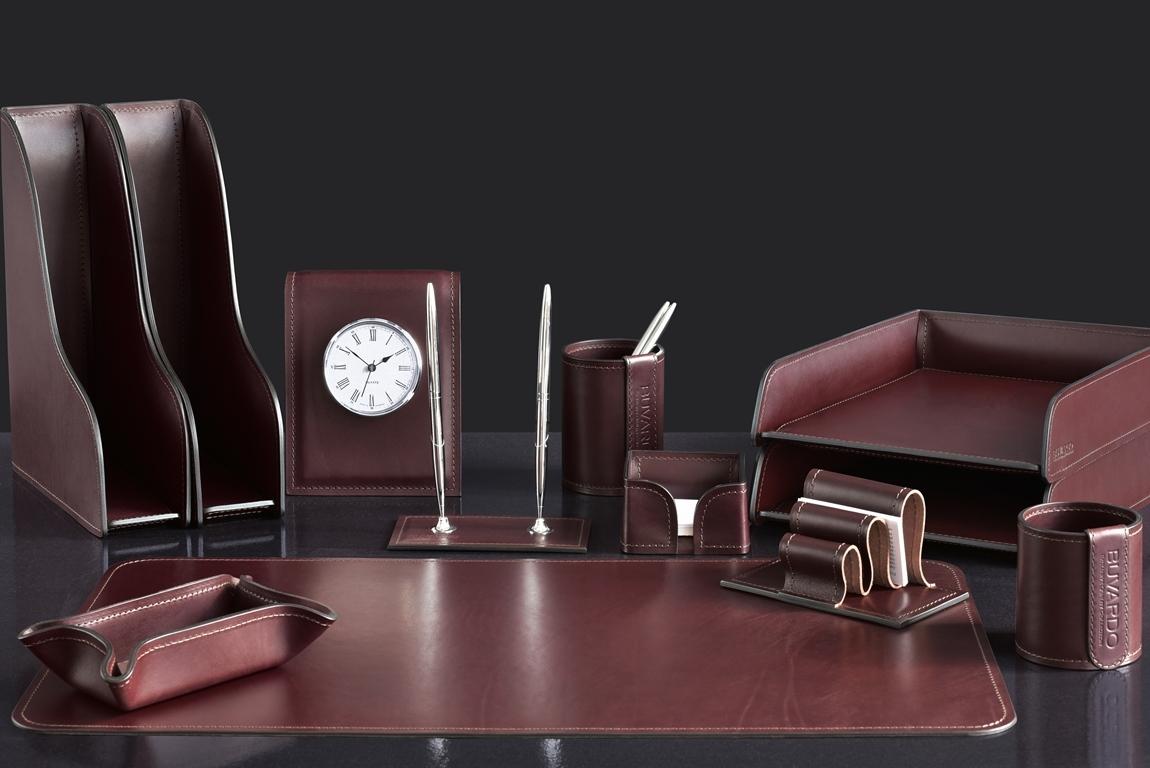 набор директора на стол с часами
