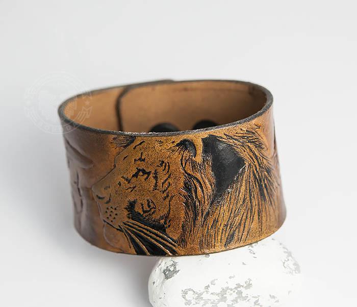 BL462 Мужской кожаный браслет со львом ручной работы фото 05