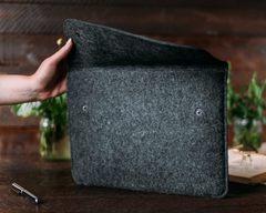 Черный чехол Gmakin на Macbook
