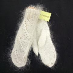 Вязанные варежки из козьего пуха ручной работы белые 10