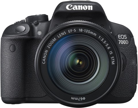 Canon EOS 700D Kit 18-135mm IS
