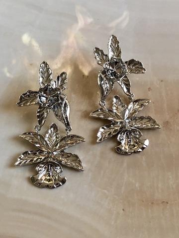 Серьги Лесной Цветок, серебряный цвет