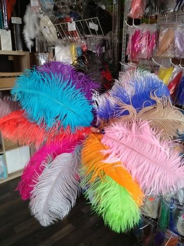 Перья страуса  декоративные  35-40 см. ПРЕМИУМ (цена за 1 шт.) , (выберите цвет)