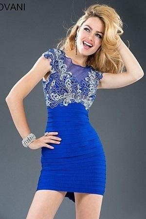 Jovani  89628 Синее платье из драпирующихся деталей от лифа, сам лиф расшит вышивкой